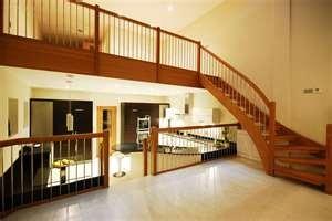 Преимущества деревянных лестниц