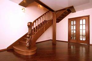 Деревянные лестницы на тетиве