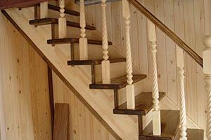 Лестницы из дуба, бука, ясеня, лиственницы