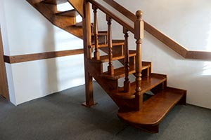 Лестницы из дерева на заказ