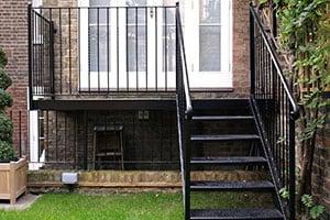 Металлические лестницы для дачи