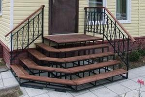 Заказать монтаж металлической лестницы