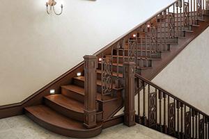 Лестницы на заказ деревянные из дуба