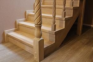 Лестницы из сосны цена